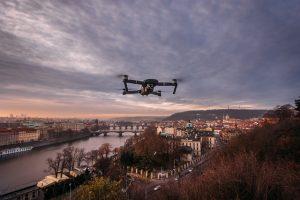 Top Drone Dji mavic drone hovering